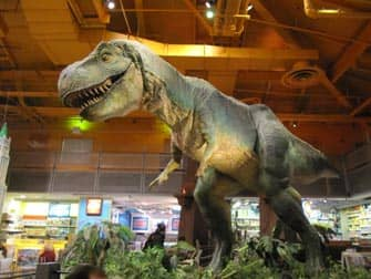 Dinosauro al Toy R us in New York