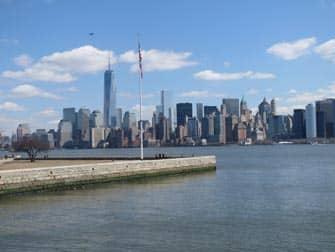 Ellis Island a New York - Veduta di Manhattan