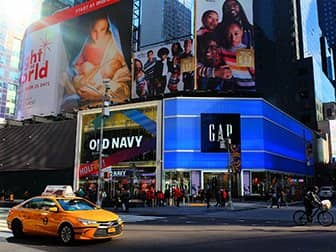 Times Square a New York - Old Navy e Gap
