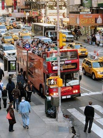 Autobus turistico a New York - Autobus rosso di Gray Line