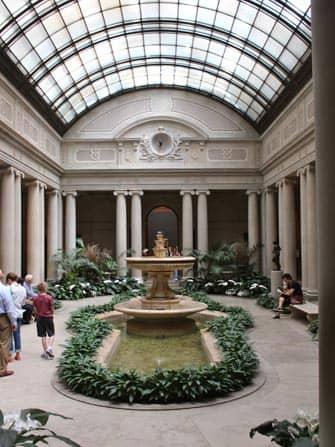Cortile Frick Museum New York