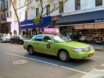 Limegreen taxi a New York