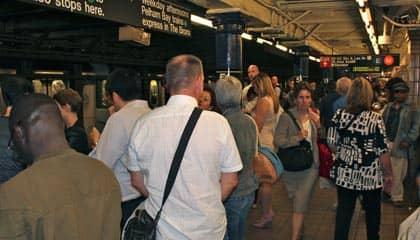 Metro nell'ora di punta New York