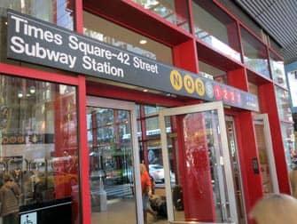 Times Square Fermata Metro