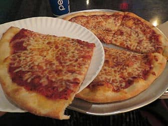 Two Boots Pizza a NYC