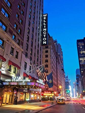 Wellington Hotel in NYC - Facciata esterna