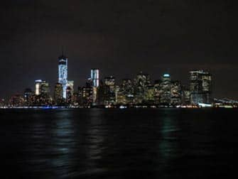 Manhattan dal battello di sera, NY