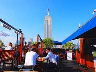 I migliori rooftop bar di New York - 230 Fifth di giorno