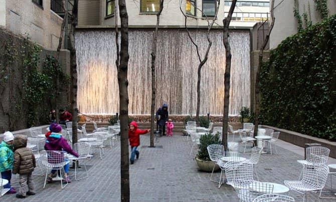 Parchi a New York - Paley Park