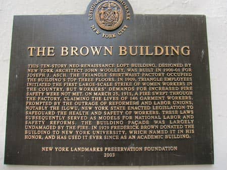 Placca Brown Building