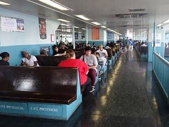 Staten Island Ferry - Interno
