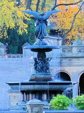 Tour alla scoperta delle scene dei film in Central Park - Bethesda Fountain