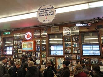 Lower East Side in NYC - all'interno di Katzt's Deli