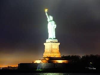 Crociere con cena di San Valentino a New York - Statua della Libertà