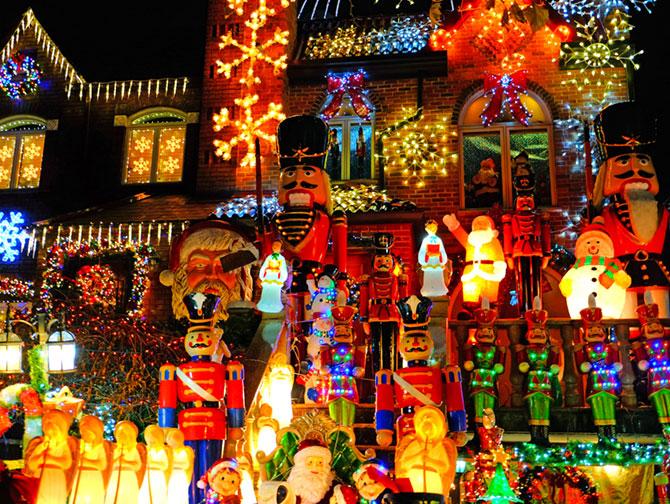 La stagione natalizia a New York - Dyker Heights