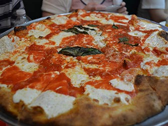 Pizza Tour in NYC - la pizza di Grimaldi