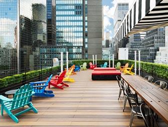 Pod 51 Hotel a New York - Rooftop Bar