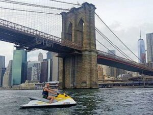 Fare jet ski a New York