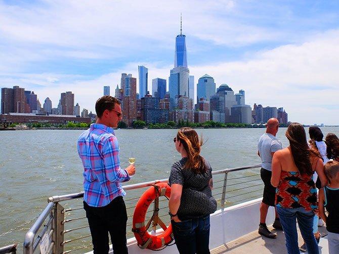 Bateaux Crociera con pranzo a New York- Vista