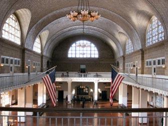 Tour in battello della Statua della Libertà e Ellis Island - Edificio