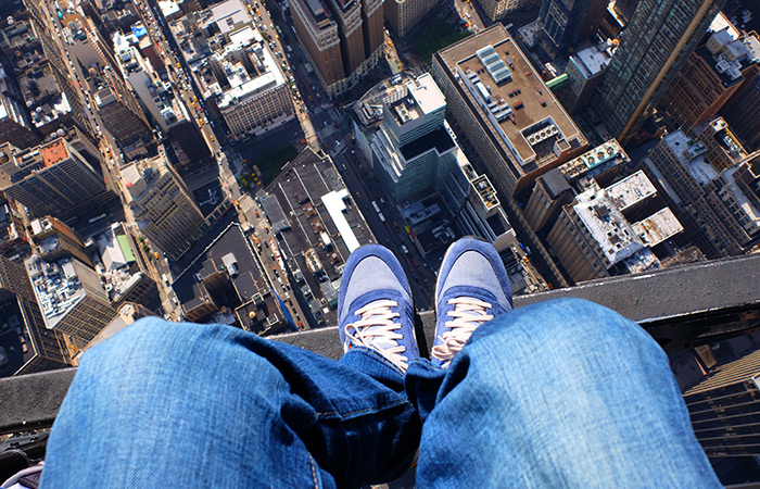 Giro in elicottero senza porte a New York - Selfie ai piedi